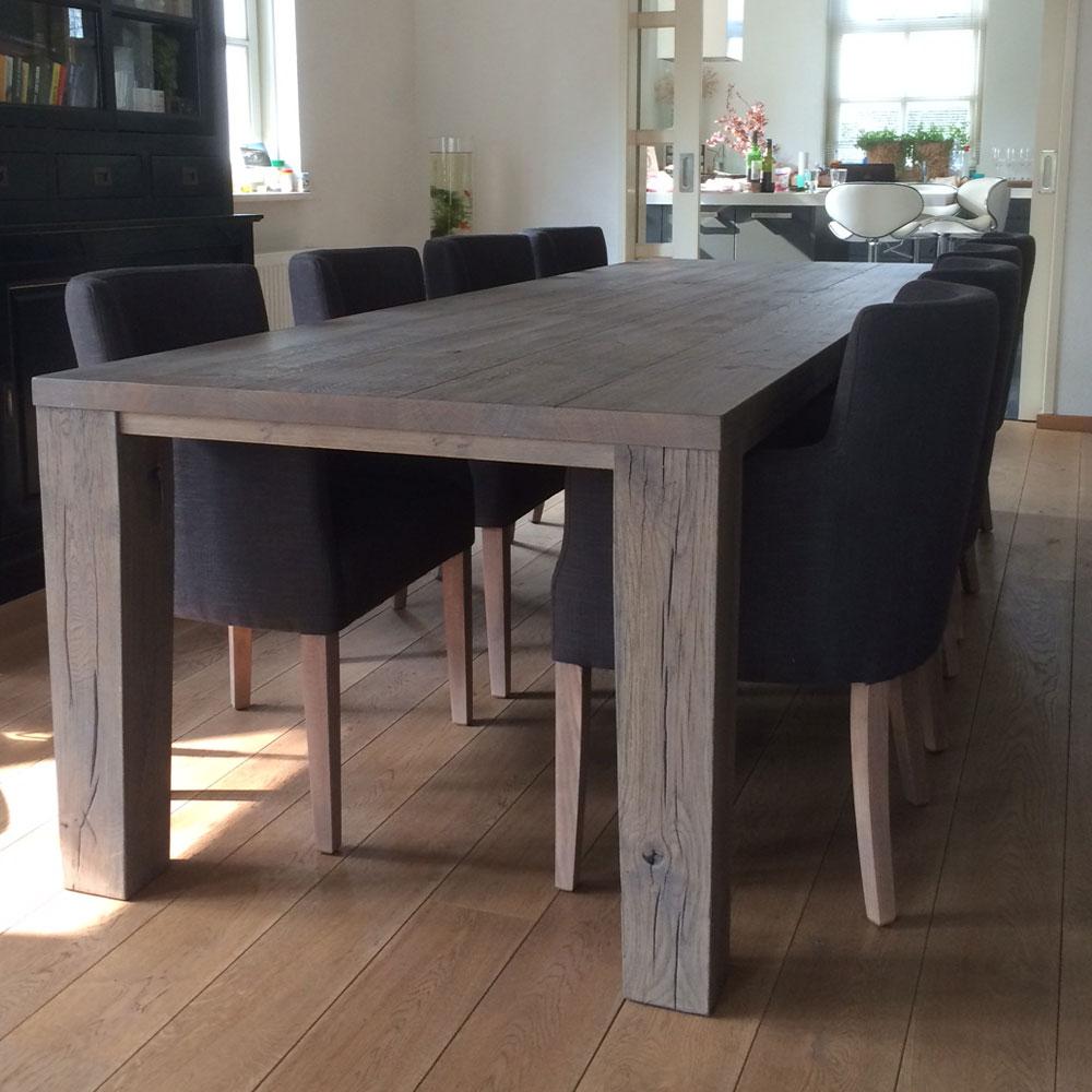 InHuis-eetkamerset-tafel-stoelen(3)