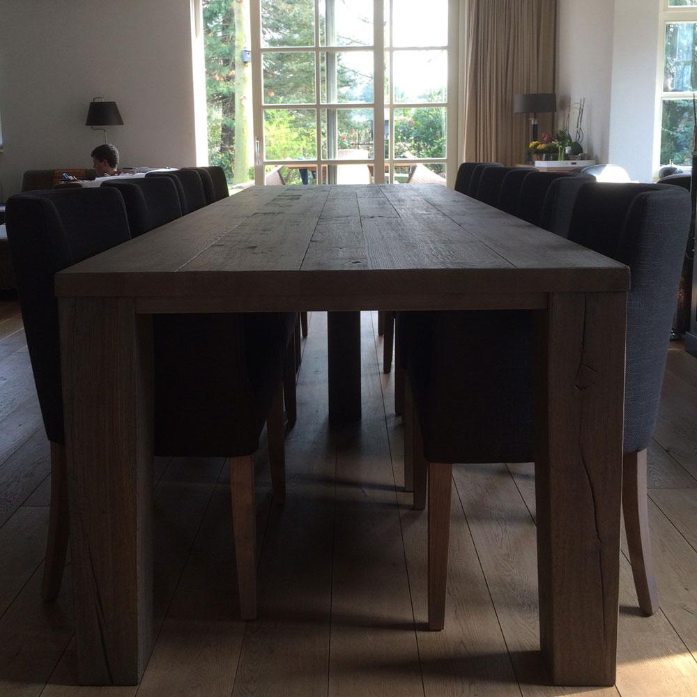 InHuis-eetkamerset-tafel-stoelen(1)