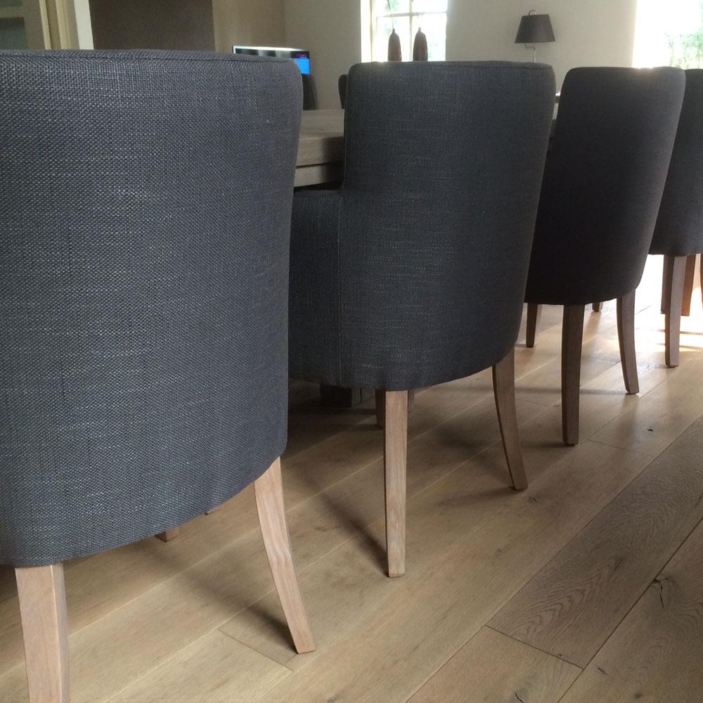 InHuis-eetkamerset-tafel-stoelen(2)